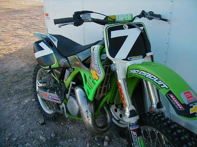 kx 125 graphics